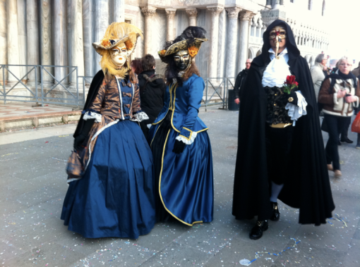 Venice-Carnival-Italy-Masks-disguise-travel